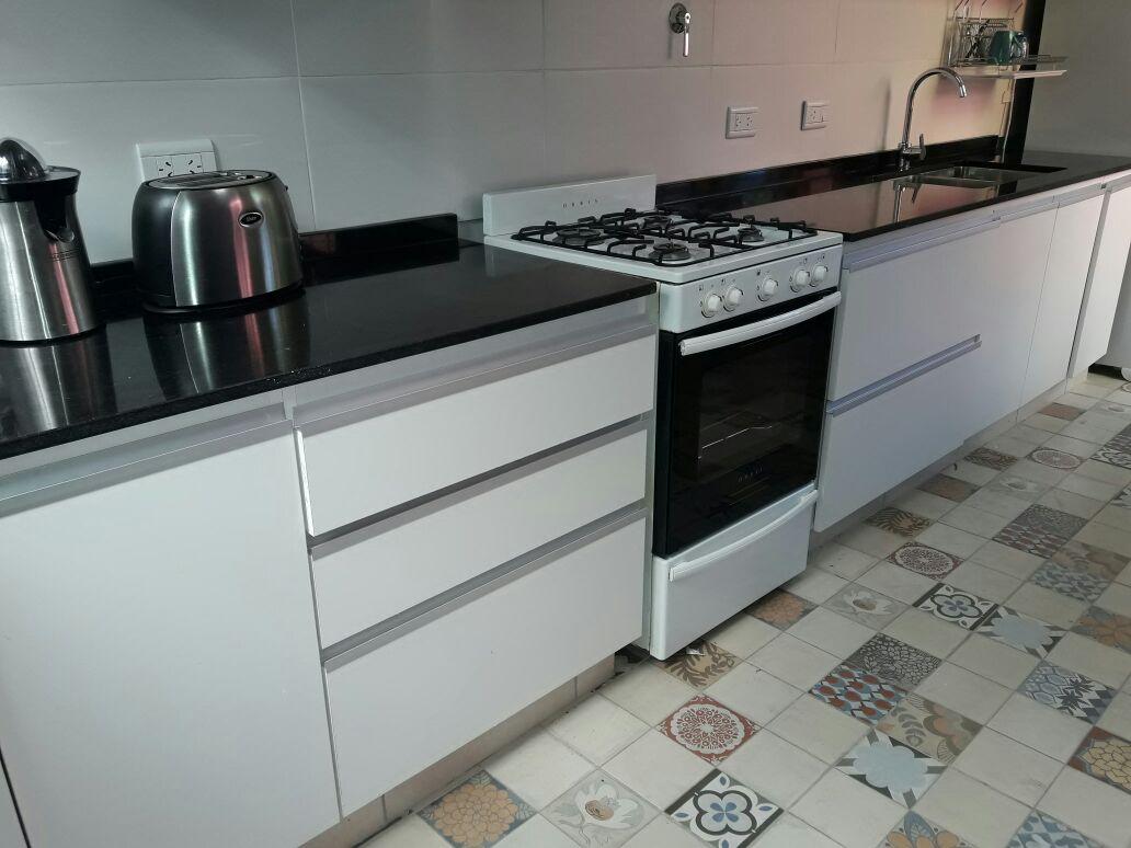Fotos de cocinas m rmoles roa for Marmol negro brasil